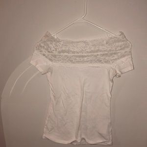 Tight fitted white T-shirt with lace top